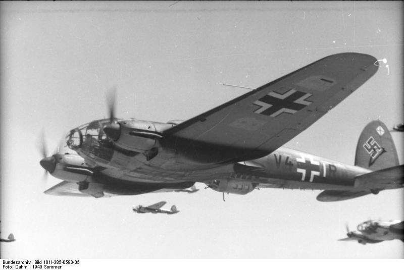 Heinkel He 111 Bomber File:Bundesarchiv Bild...