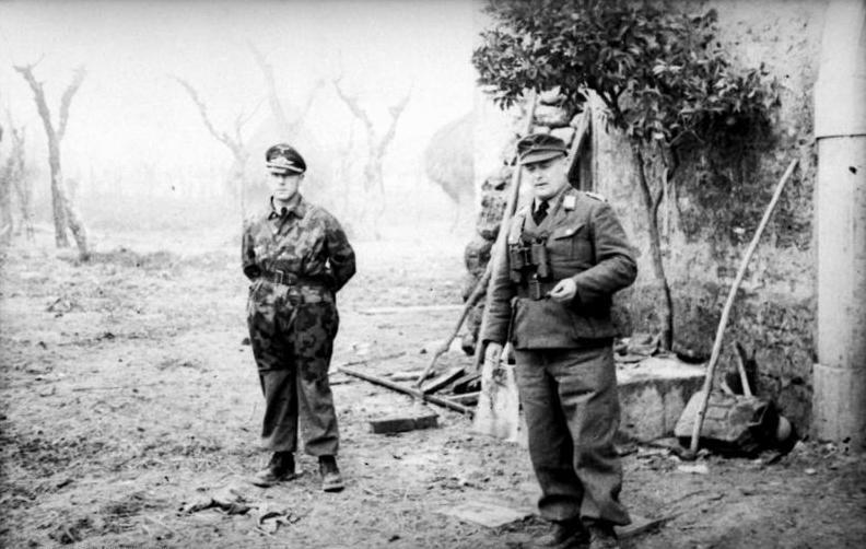 File:Bundesarchiv Bild 101I-577-1920-31, Monte Cassino, Oberst Heilmann, General Heidrich.jpg