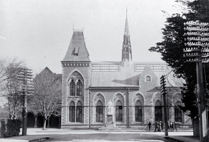 Christchurch Wikipedia: Canterbury Museum, Christchurch
