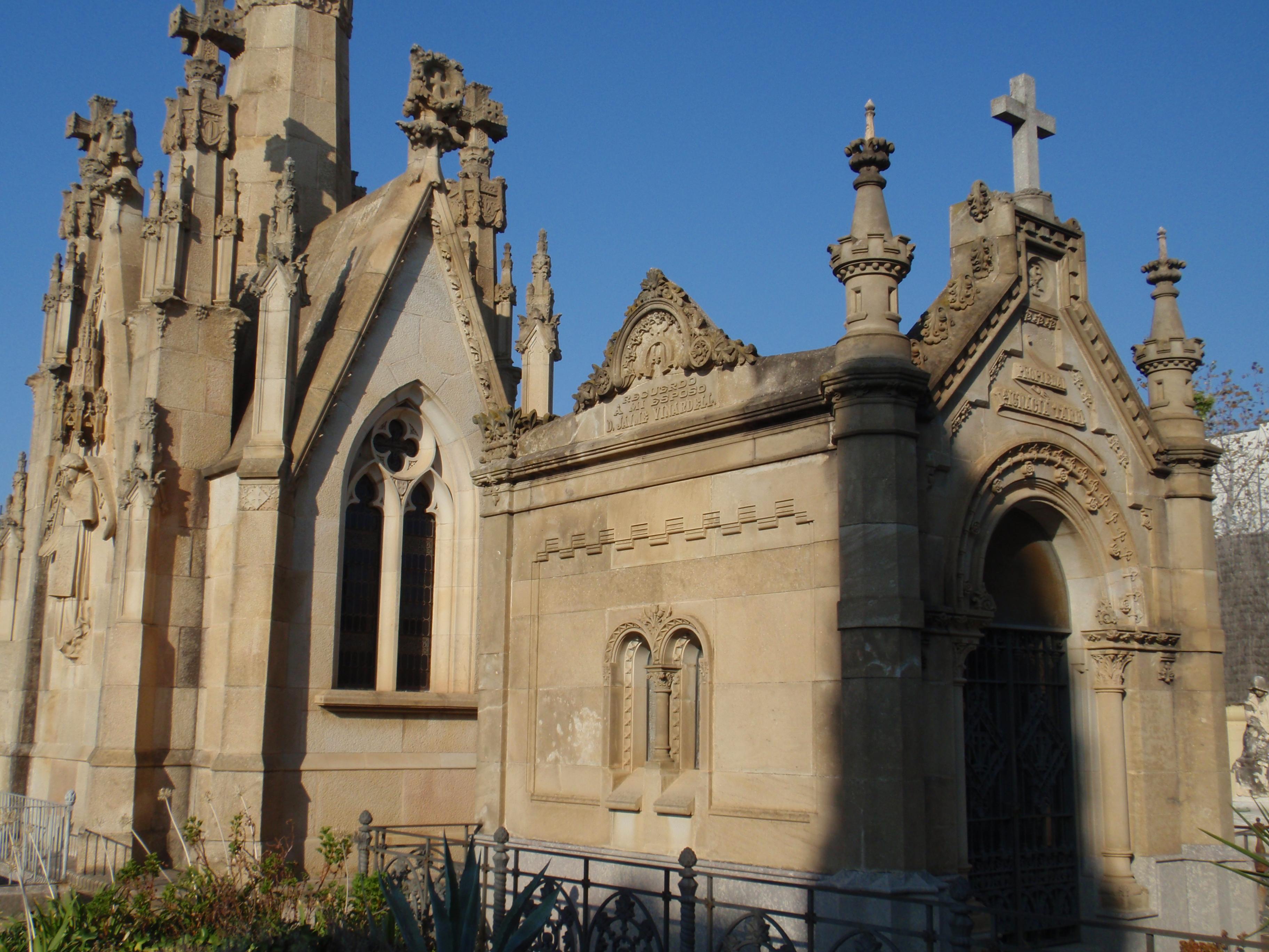 Tập tin:Cementiri Arenys de Mar 2.jpg