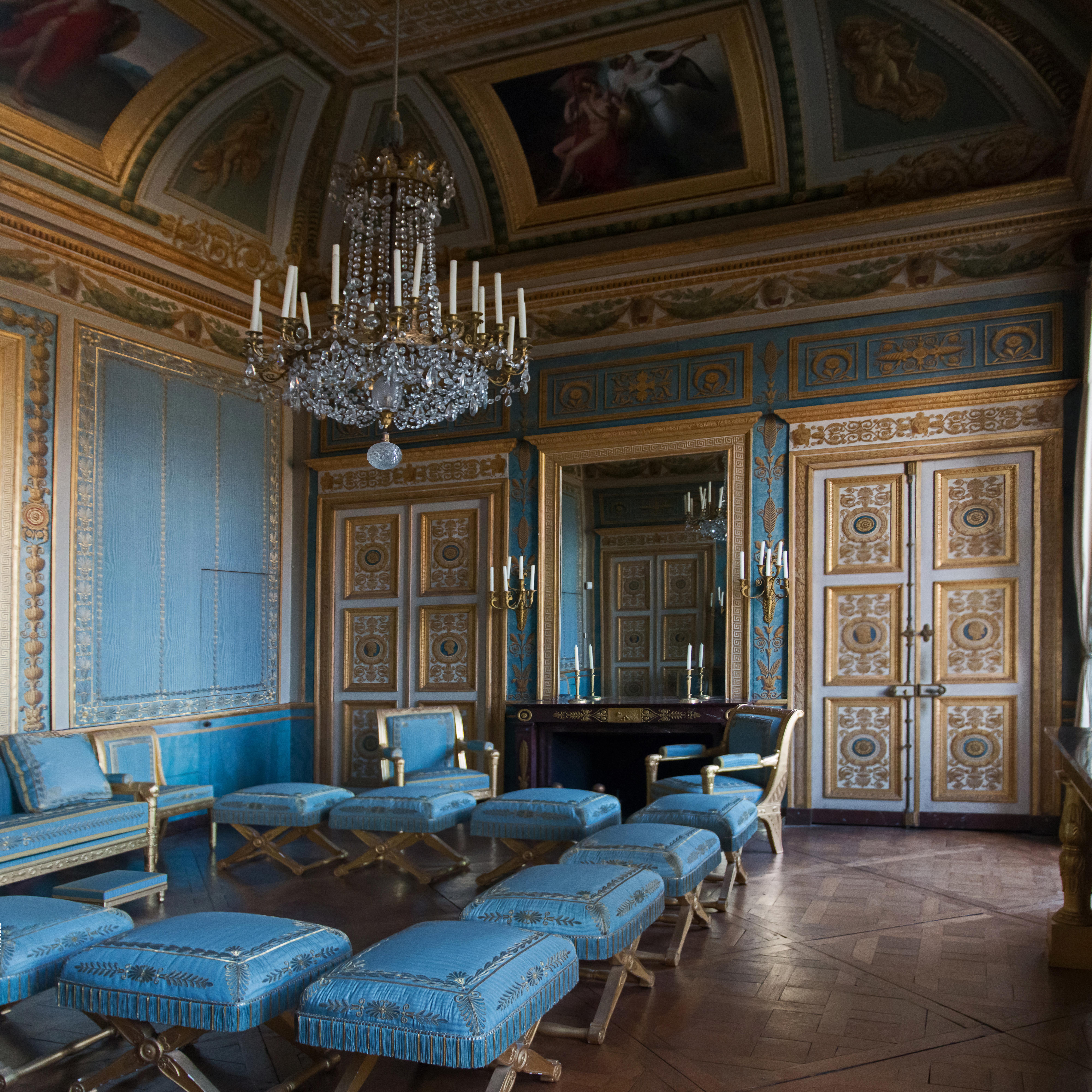 File:Château de Compiègne-Le salon bleu-20150303.jpg - Wikimedia Commons
