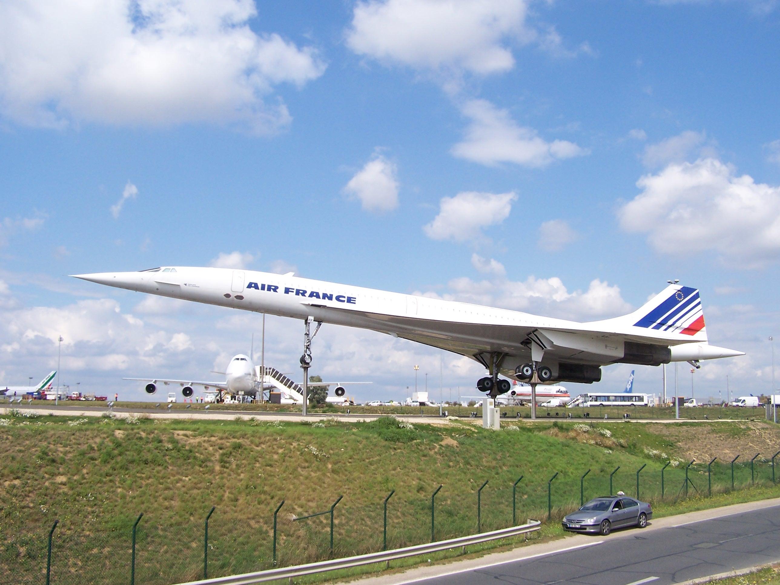 Description Concorde expo CDG.JPG