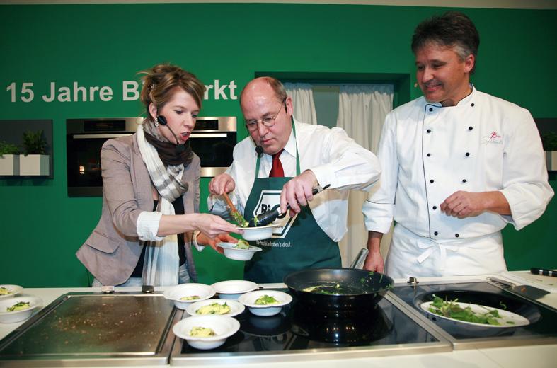 DIE LINKE auf der Internationalen Grünen Woche 2012 (6764495335).jpg