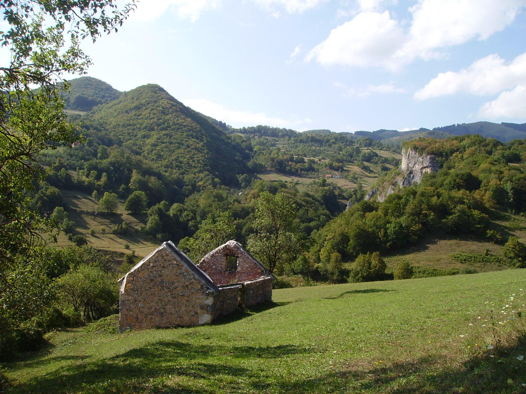 File dimitor mountain - Landscaping fotos ...