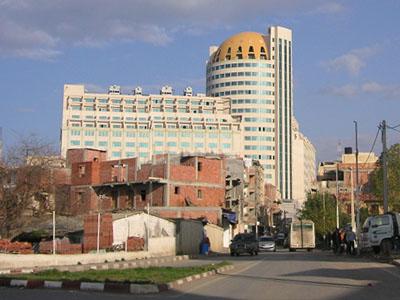 Al Qods Shopping Mall - Wikipedia: https://en.wikipedia.org/wiki/Centre_Commercial_Al_Qods