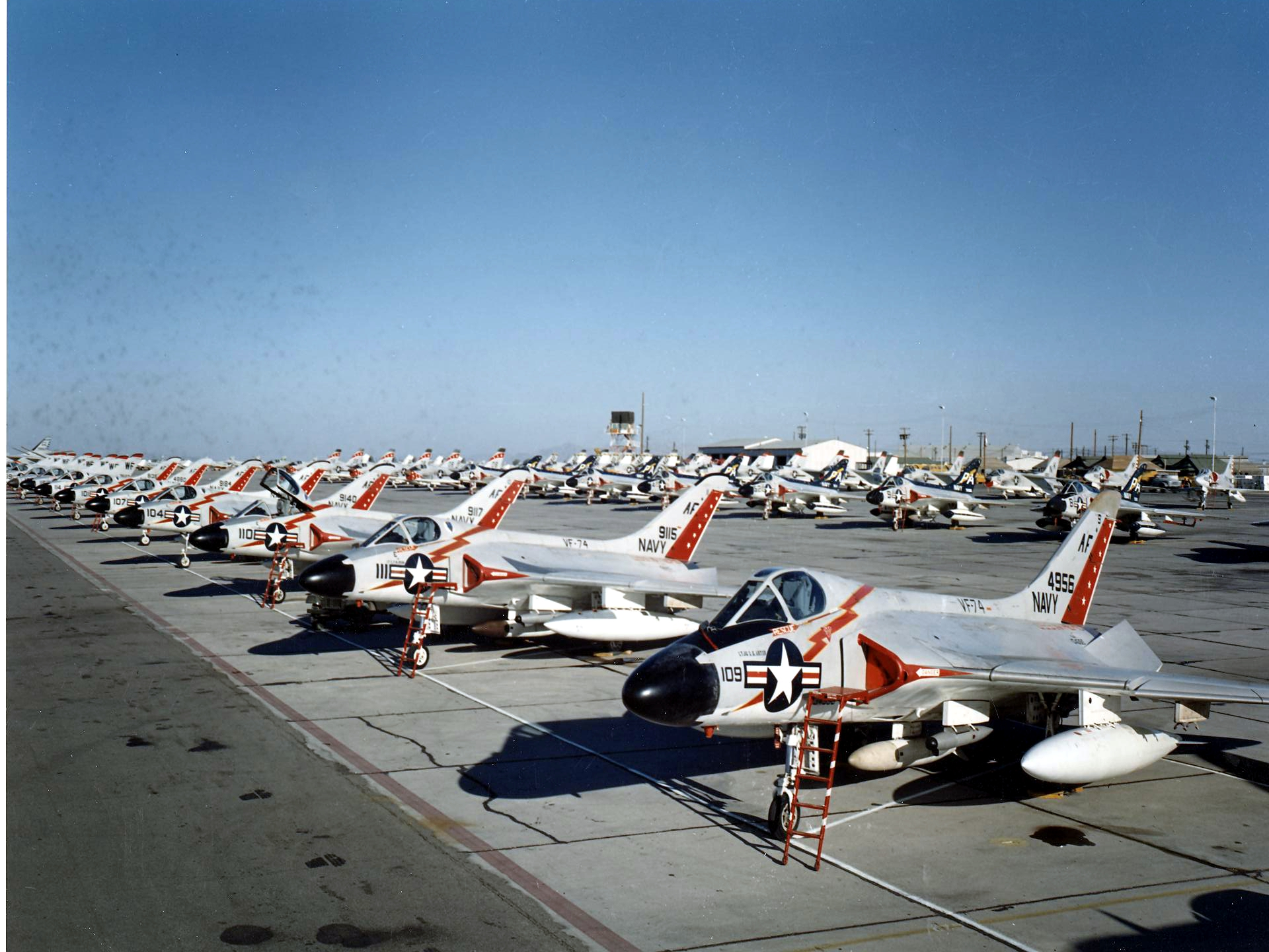 File:F4D Skyrays of VF-74 at MCAS Yuma in 1959.jpeg ...