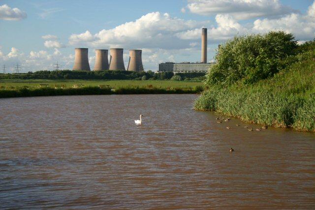 Former Runcorn-Latchford Canal - geograph.org.uk - 496527