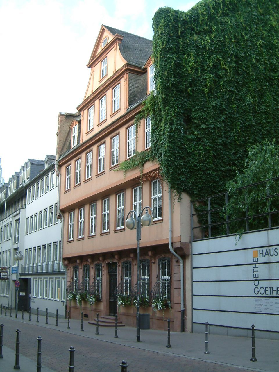 File Frankfurt Goethehaus jhl Wikimedia mons