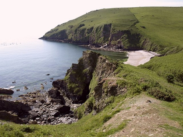 Headland above Scabbacombe Sands - geograph.org.uk - 850837