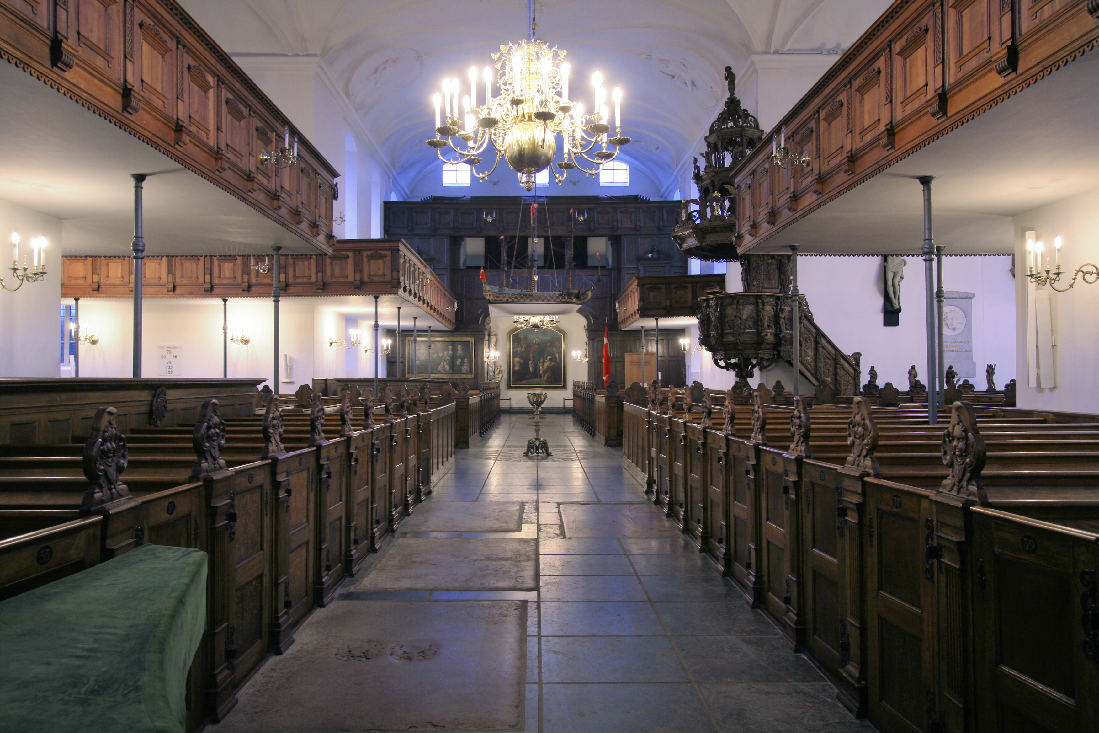 File:Holmens Kirke Copenhagen interior from north.jpg - Wikimedia Commons