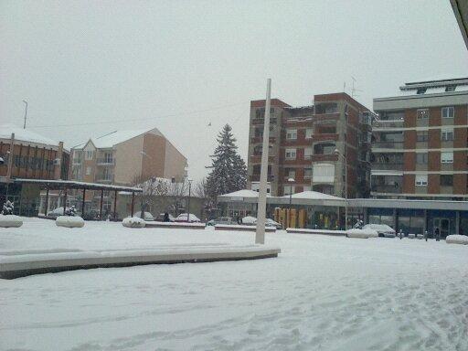 Fájl:Karadjordjev trg u Batočini prekriven snegom.jpg
