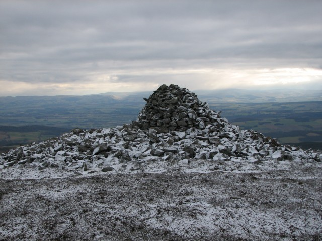 King Kenneth's Cairn - geograph.org.uk - 113716