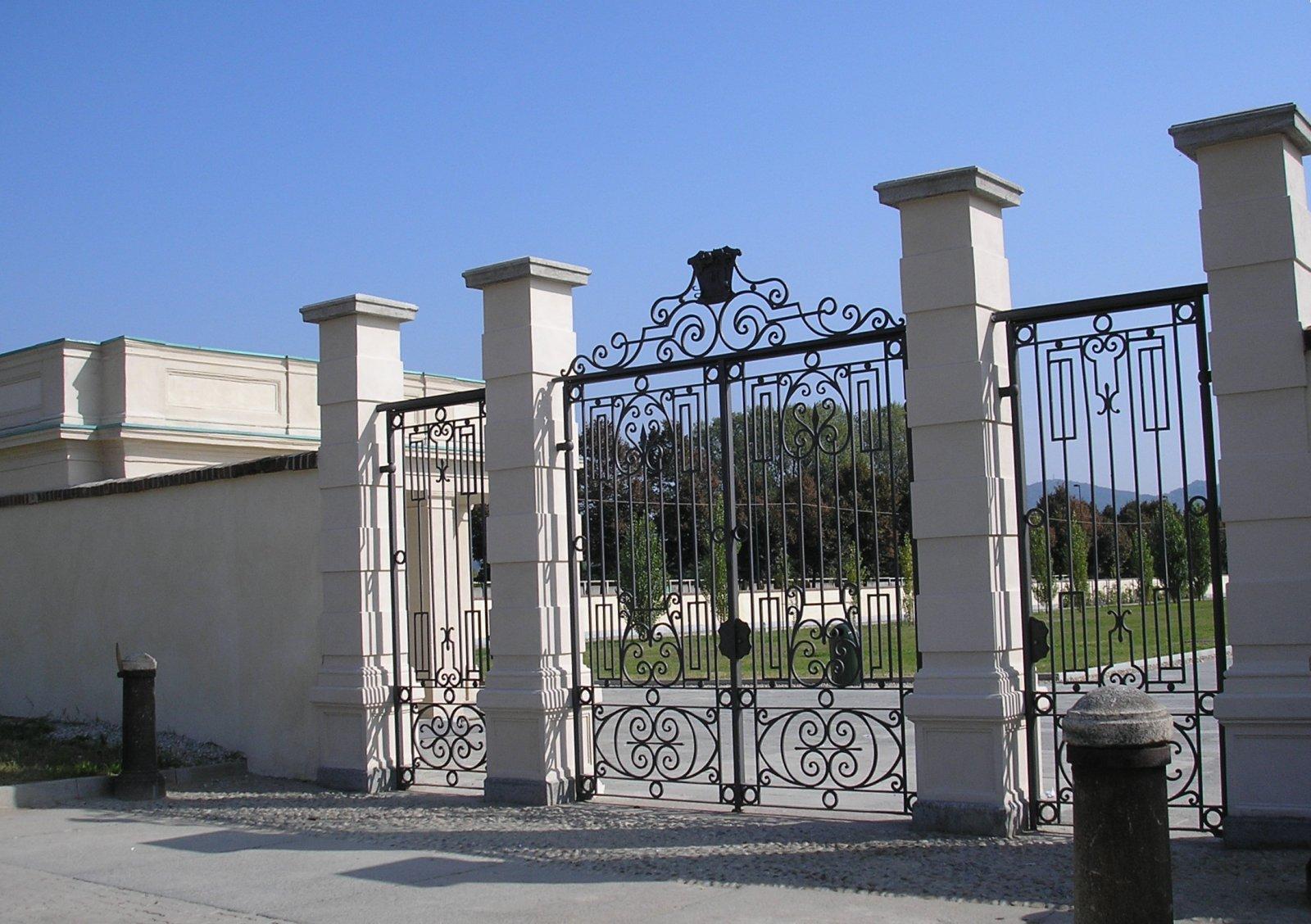 Fermo Per Cancello A Due Ante.Cancello Wikipedia