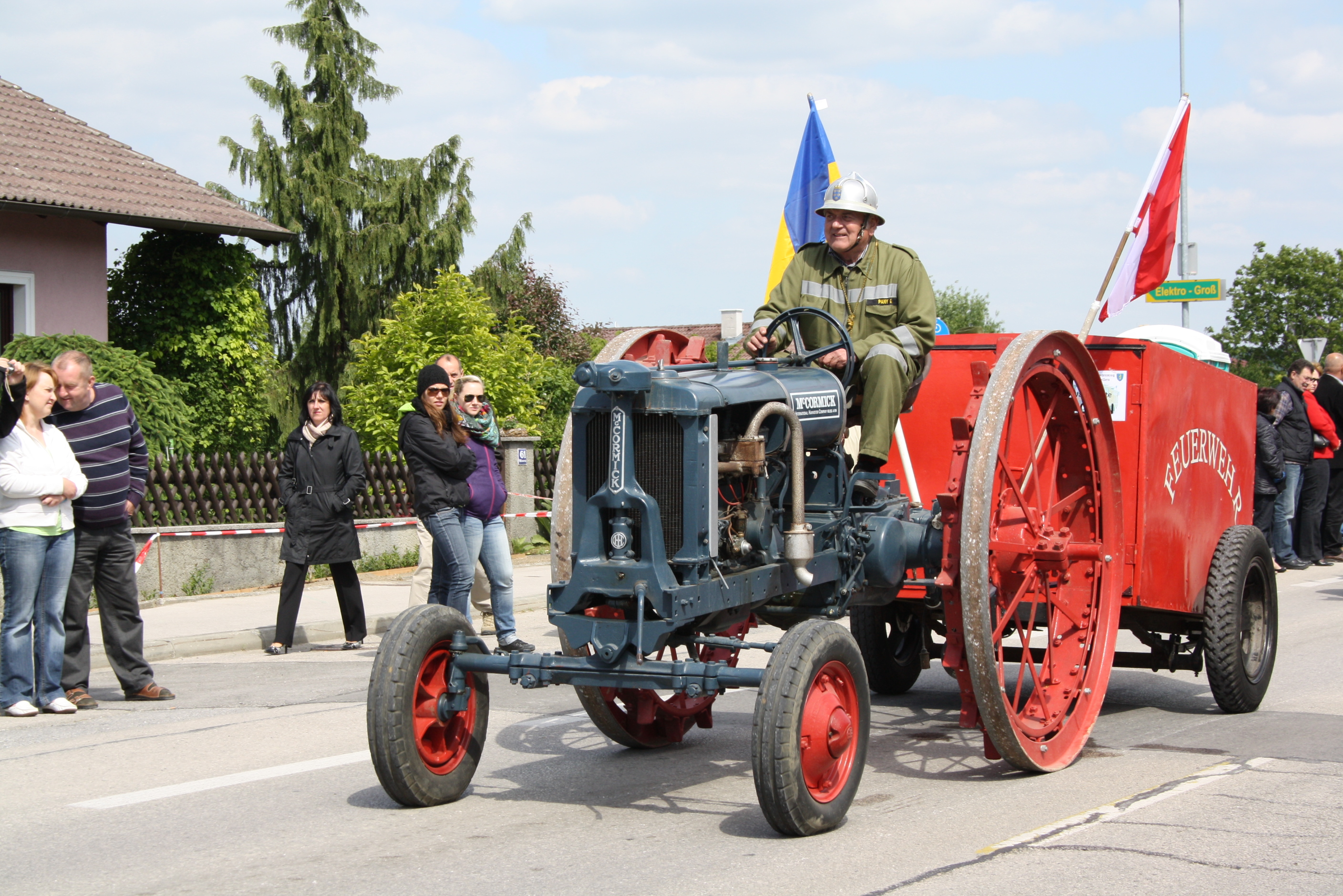 File:McCormick historical tractor jpg - Wikimedia Commons
