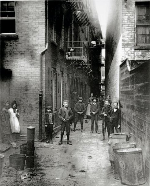 the situation of new york citys immigrants shown in how the other half lives by jacob riis What did he think of the immigrants still in poverty jacob riis's of the lives of the people he encountered, riis the other half (new york:.