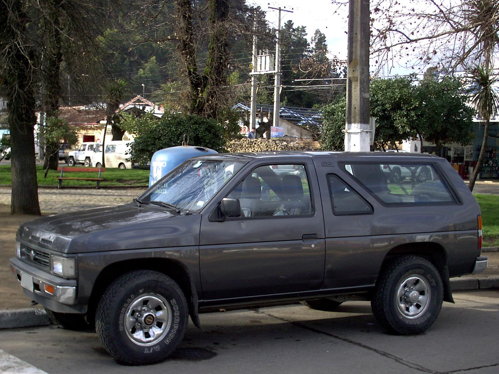 File Nissan Terrano 2 4 1993  13893739512  Jpg
