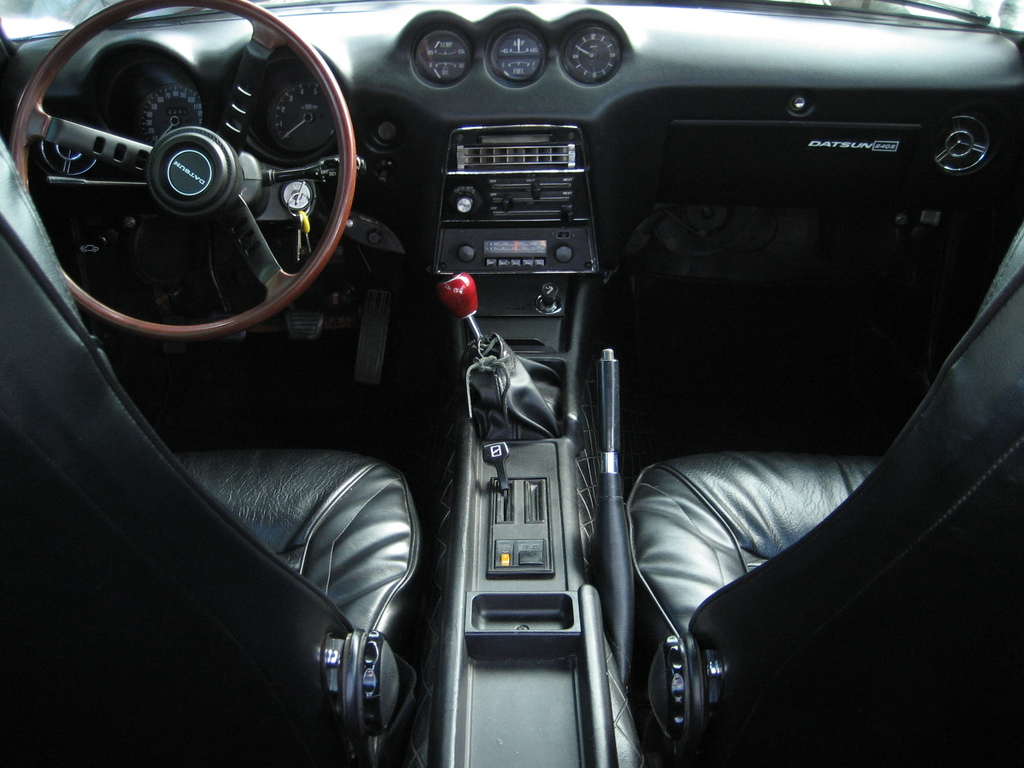 file our restored 39 71 datsun 240z interior jpg wikimedia commons. Black Bedroom Furniture Sets. Home Design Ideas