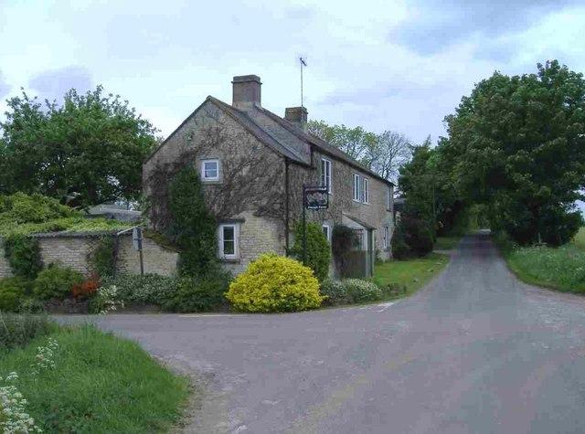 Plough Farm, Mountain Bower - geograph.org.uk - 440651