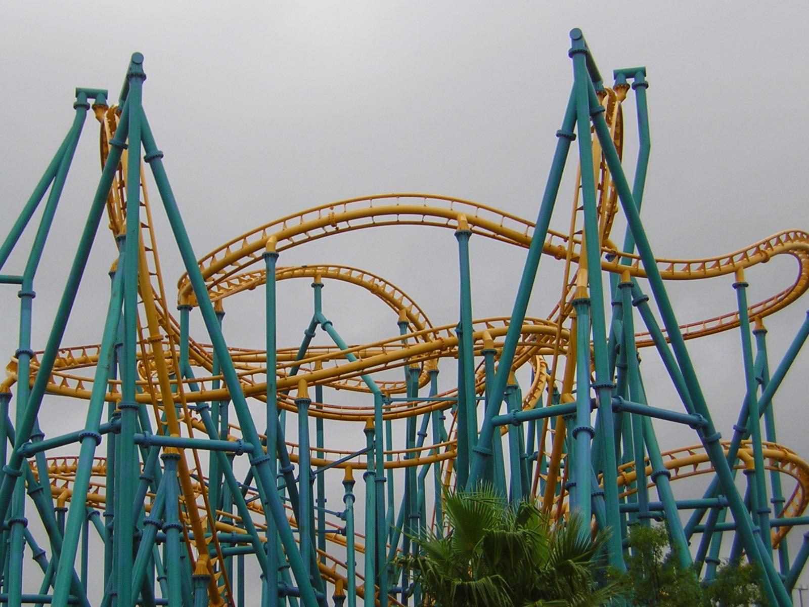 Poltergeist (roller coaster) - Wikipedia