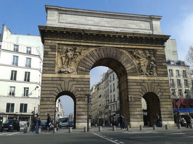 File porte saint martin paris jpg wikimedia commons for Porte saint martin