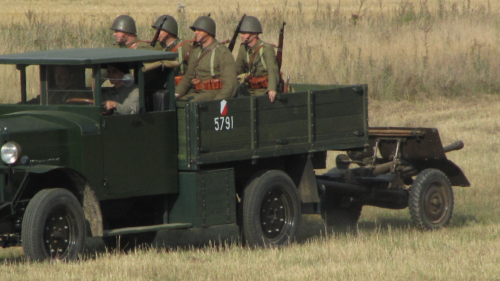 German 50 Mm Anti Tank Gun: File:Replica Of Ursus A Truck Towing A Wzór 36 Anti-tank