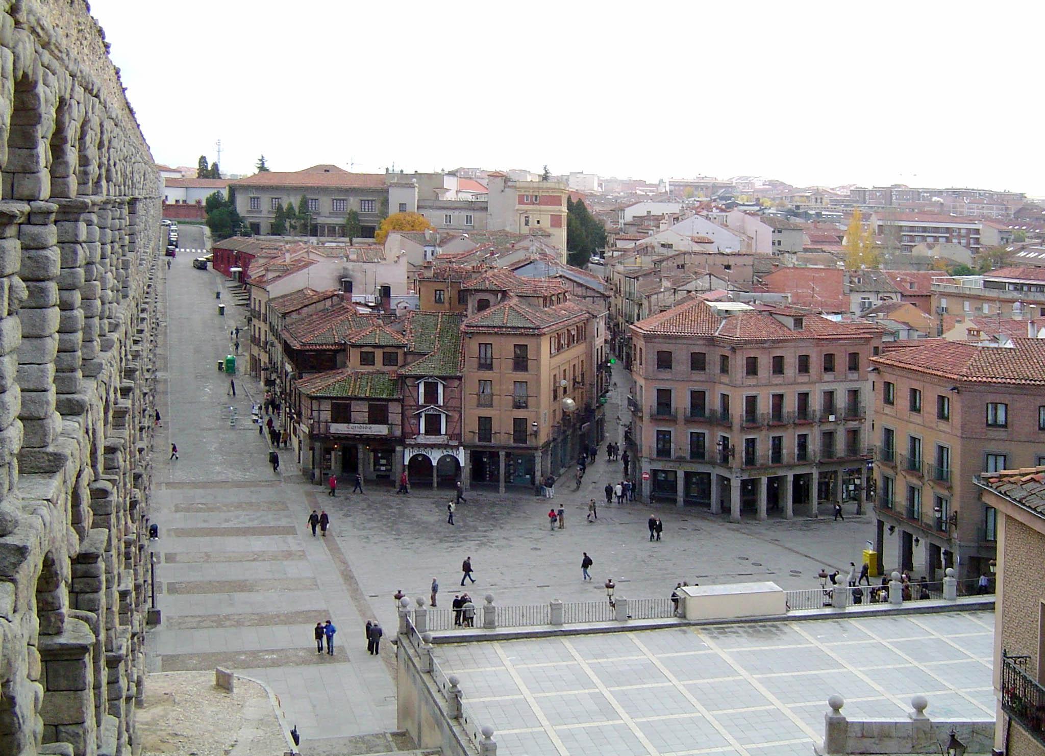 Resultado de imagen de Plaza del Azoguejo