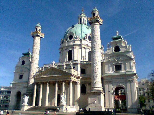 Imagini pentru Viena Karlskirche
