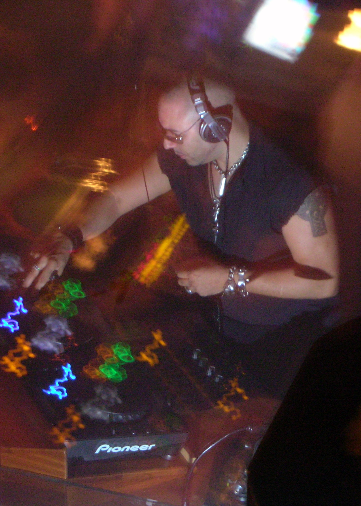 Roger Sanchez in [[Ibiza]]
