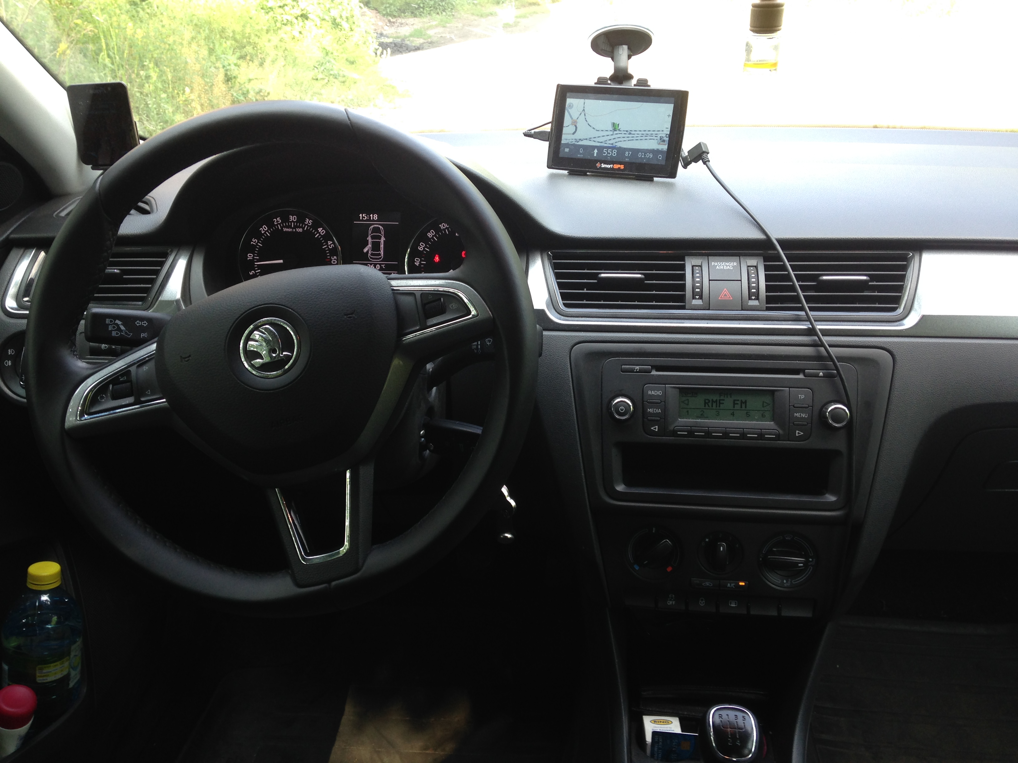 File:Skoda Rapid 1.6 TDI interior.jpg - Wikimedia Commons