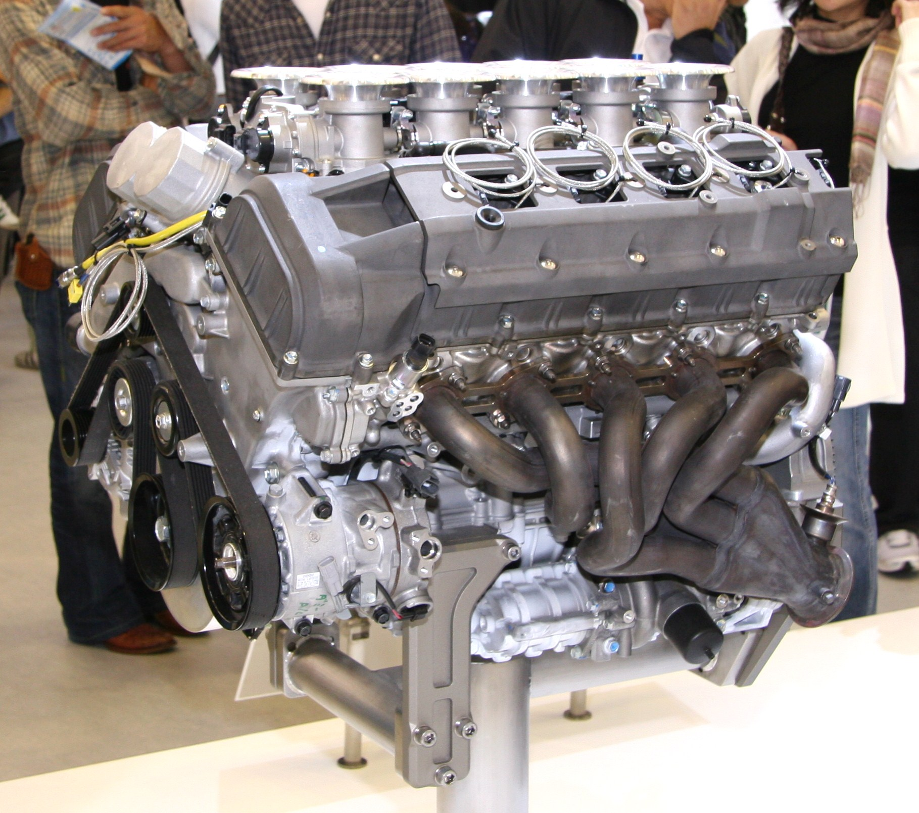 File:Toyota 1LR-GUE engine.jpg - Wikimedia Commons