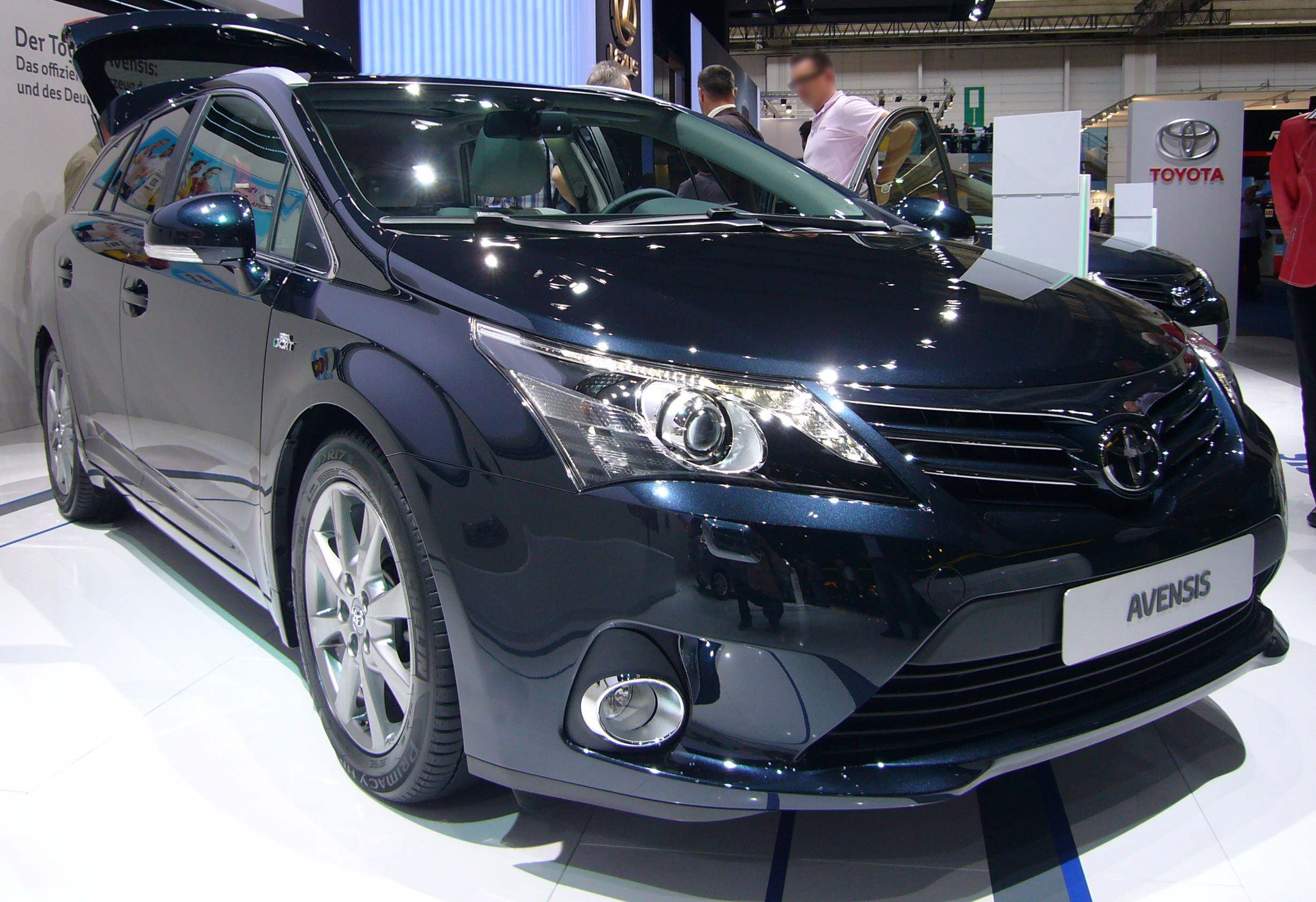 file toyota avensis wagon facelift front jpg wikimedia commons. Black Bedroom Furniture Sets. Home Design Ideas