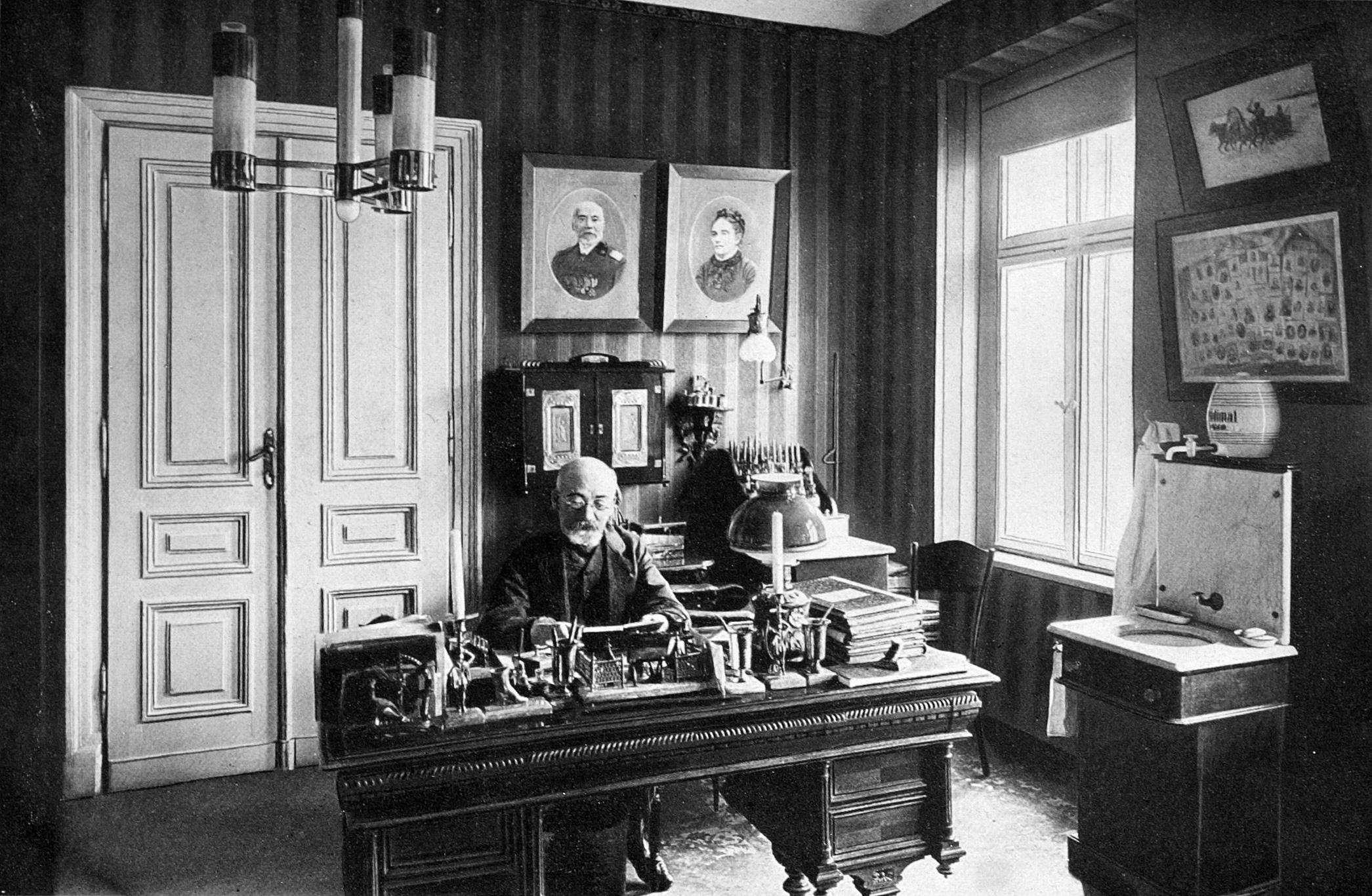Ludwik Zamenhof in seinem Arbeitszimmer