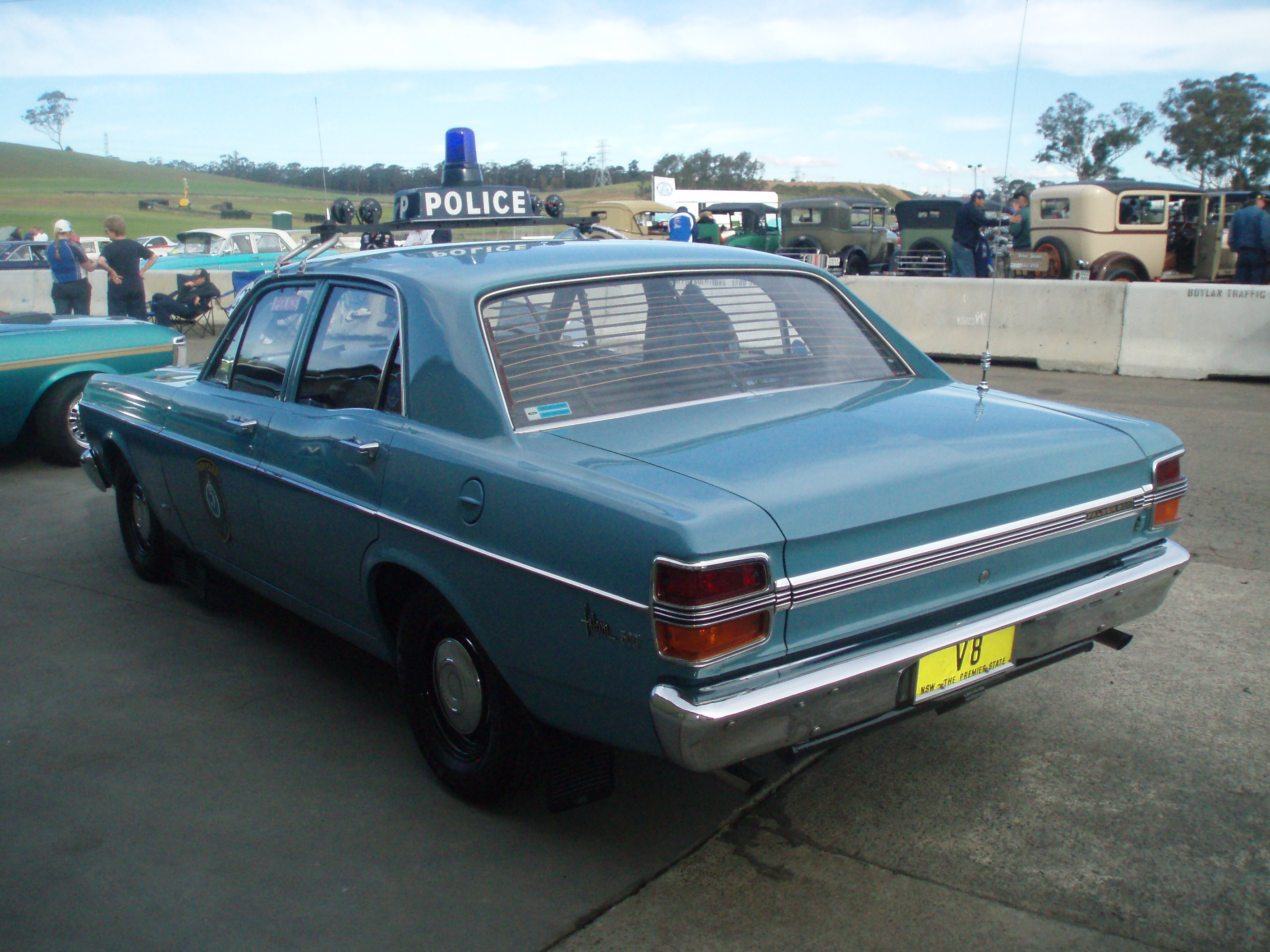 Ex Police Car Auctions >> File:1971 Ford XY Falcon 500 - NSW Police (4973153852).jpg ...