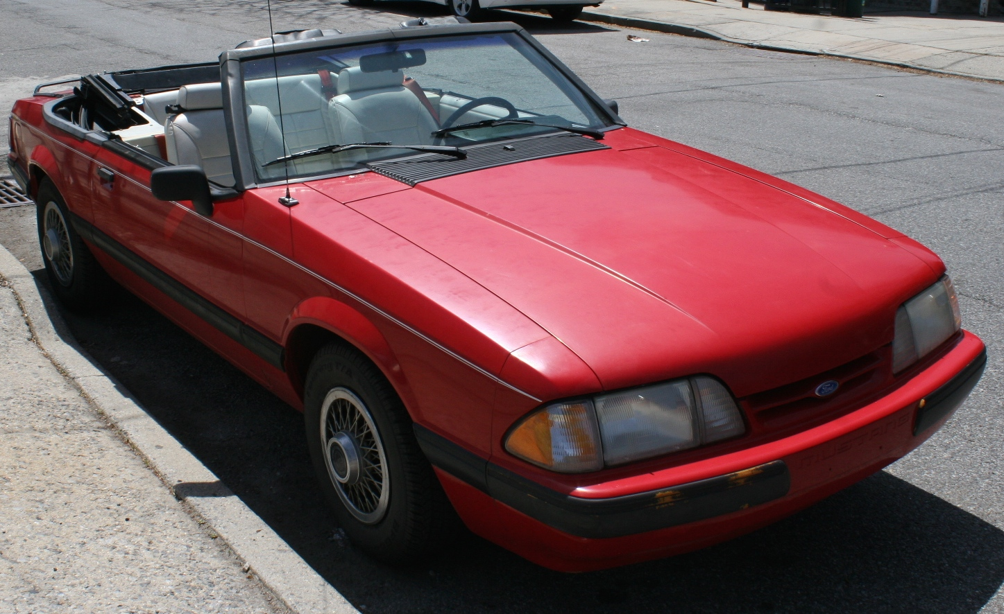 File:1991 Ford Mustang LX Convertible.JPG - Wikimedia Commons