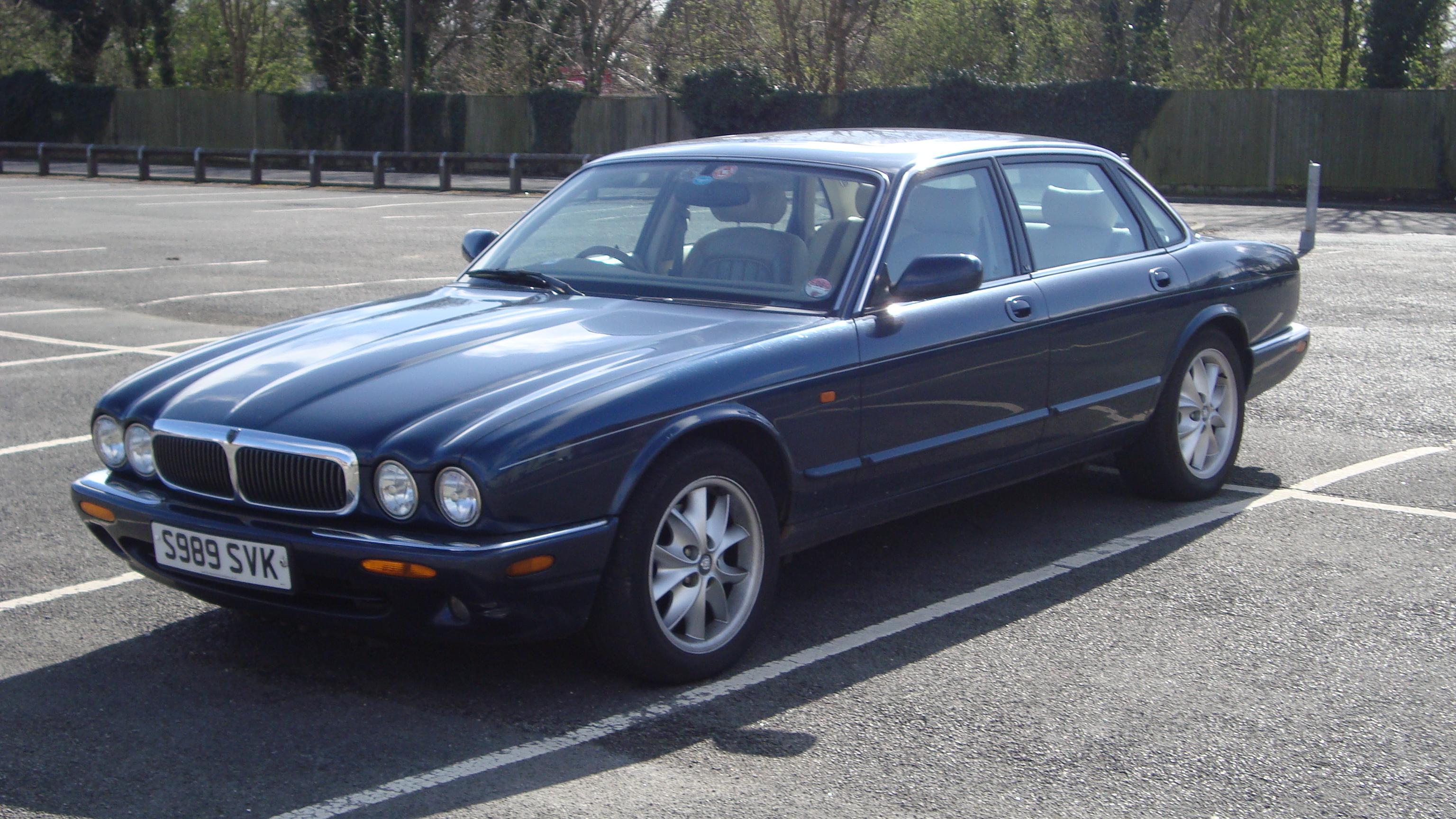 Amazing File:1998 Jaguar XJ8 4.0 (13307796565)