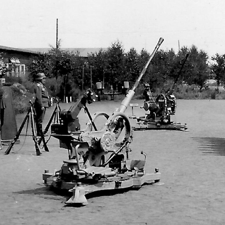 Flak 38 Byf  2-cm-Flak_38