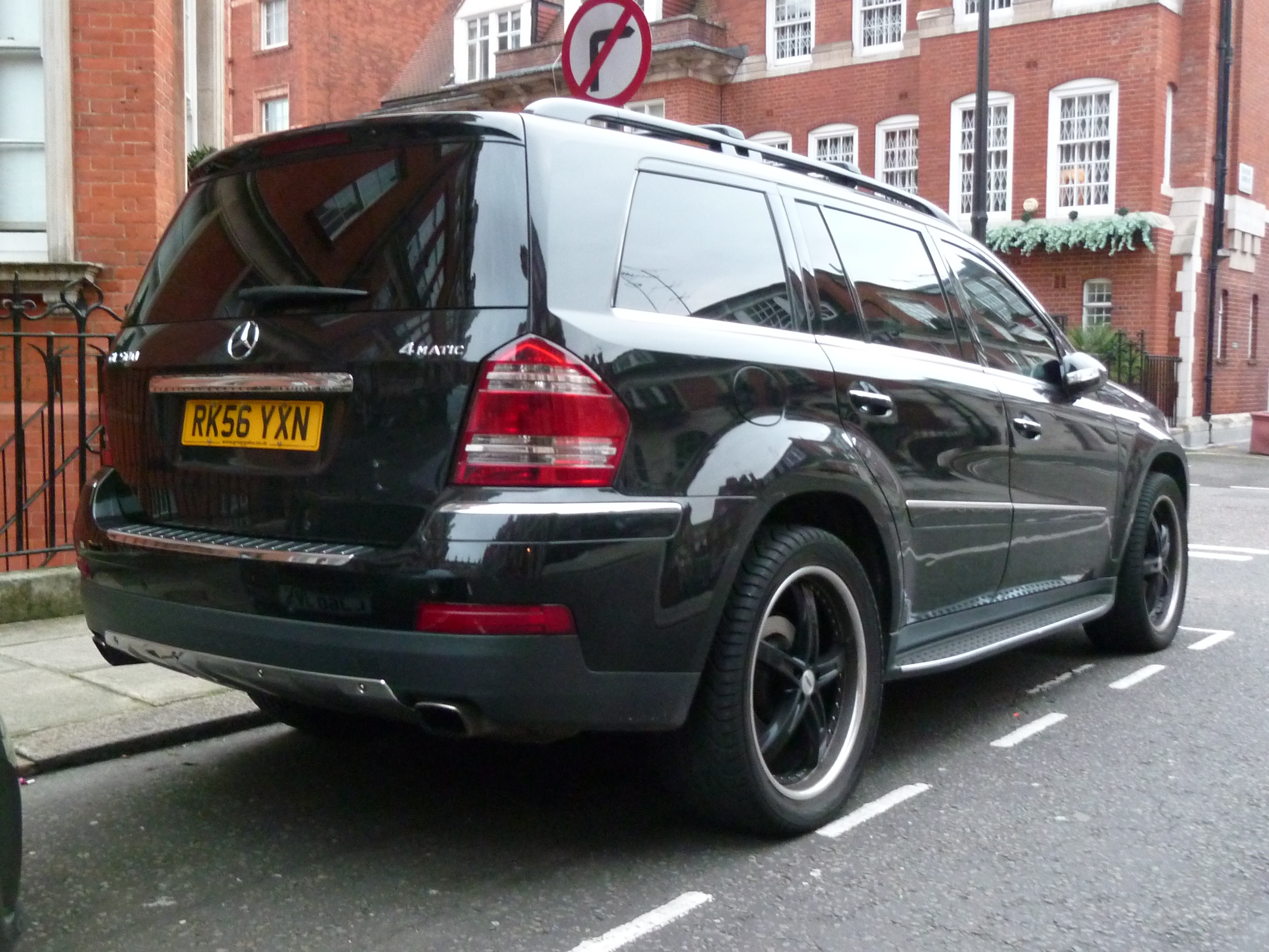 File 2011 Black Mercedes Benz X164 Gl 500 4matic In London