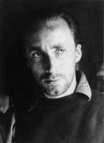 Image of Albert Tucker from Wikidata