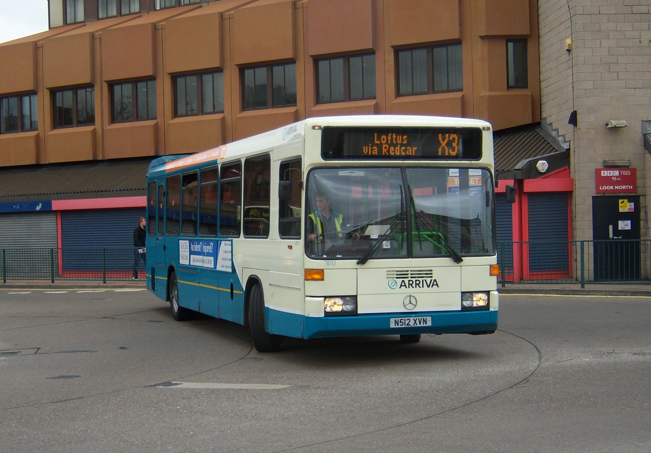 File:Arriva bus 3012 Mercedes Benz O405 Optare N512 XVN in ...