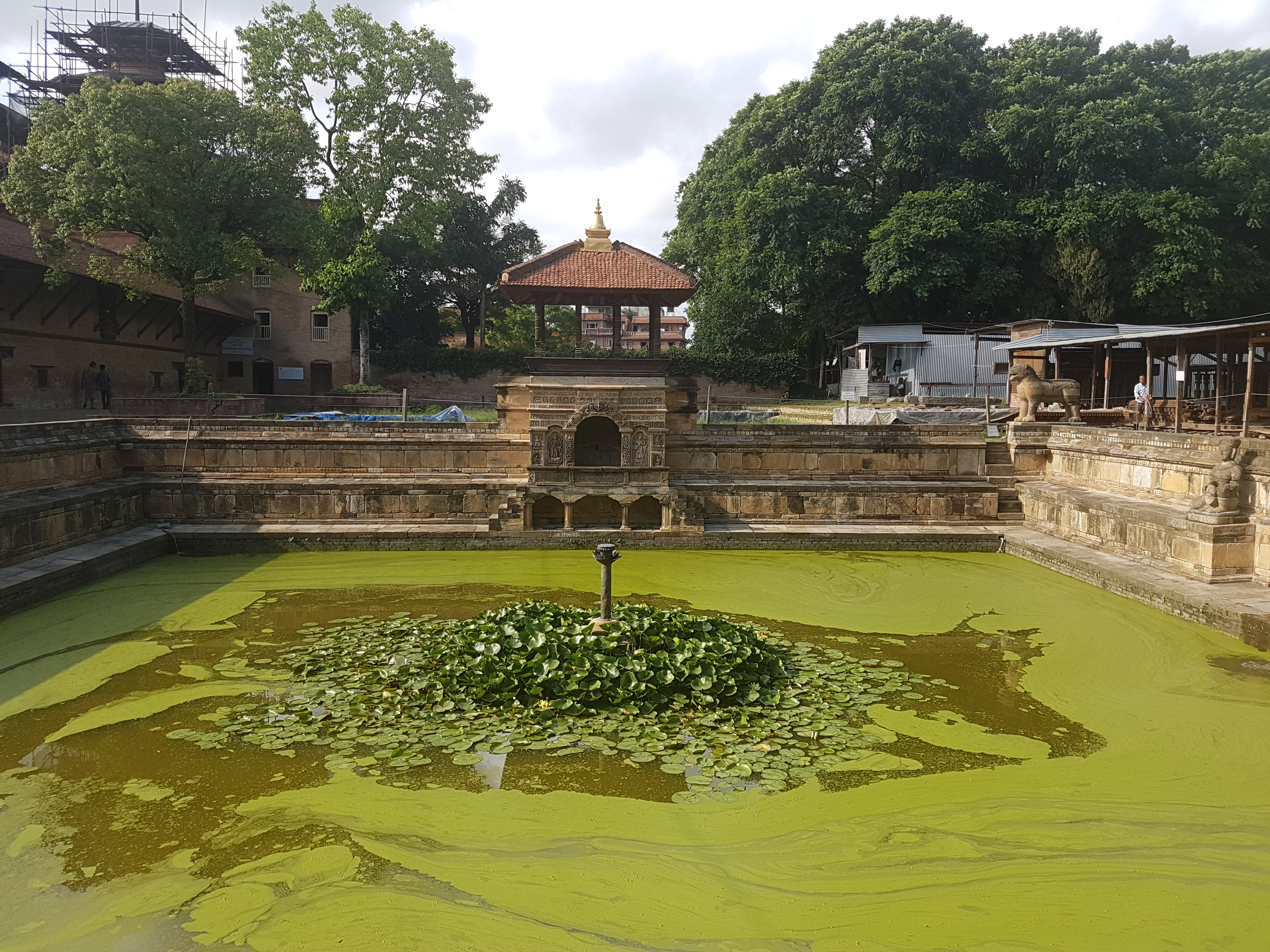 File:Bhandarkhal water tank, Patan Durbar Square jpg - Wikimedia Commons