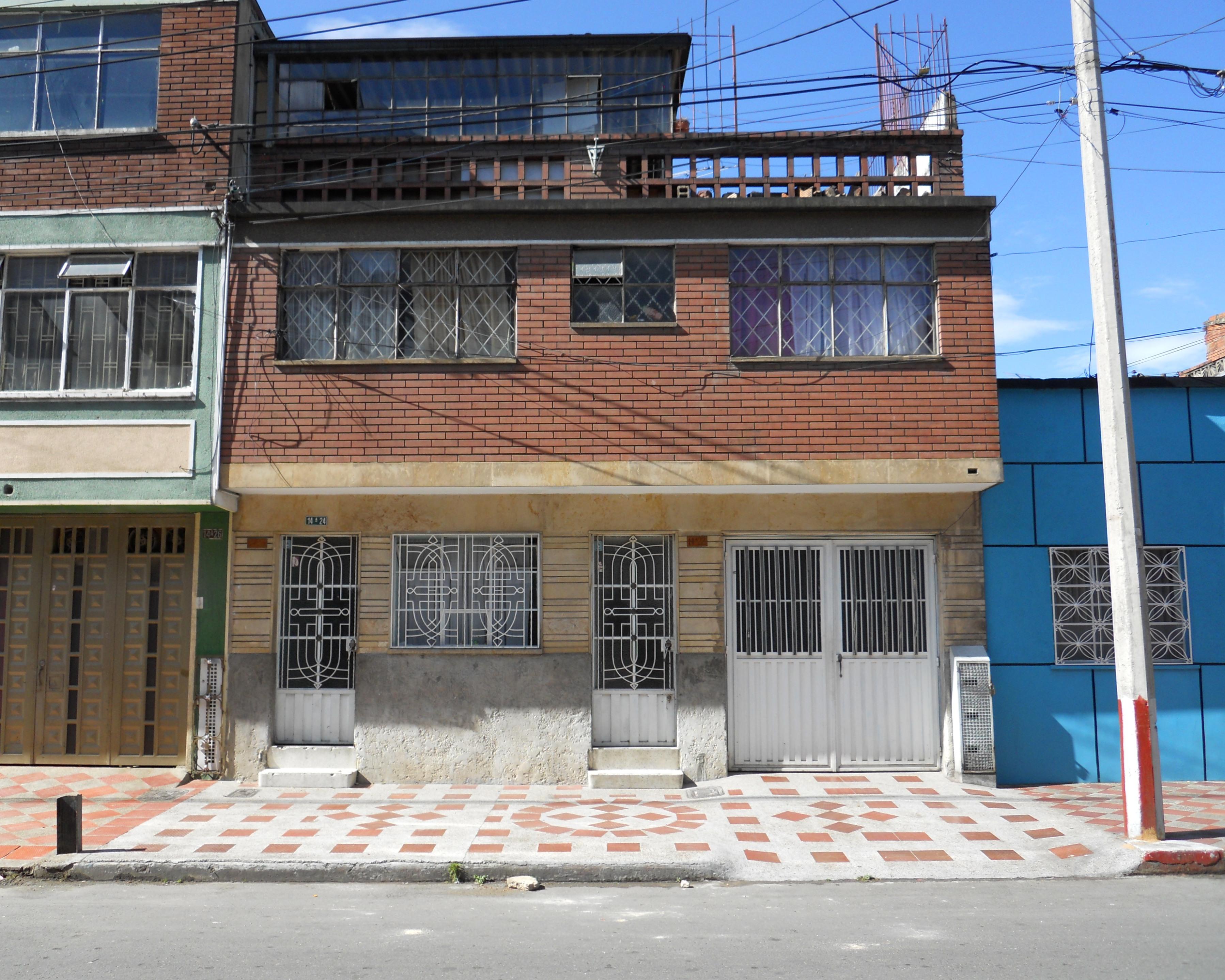 File bogot carrera 14 a con calle 24 sur barrio san jos for Barrio ciudad jardin sur bogota