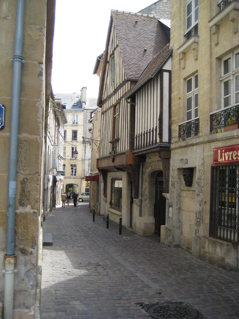 Rue aux Fromages in Caen