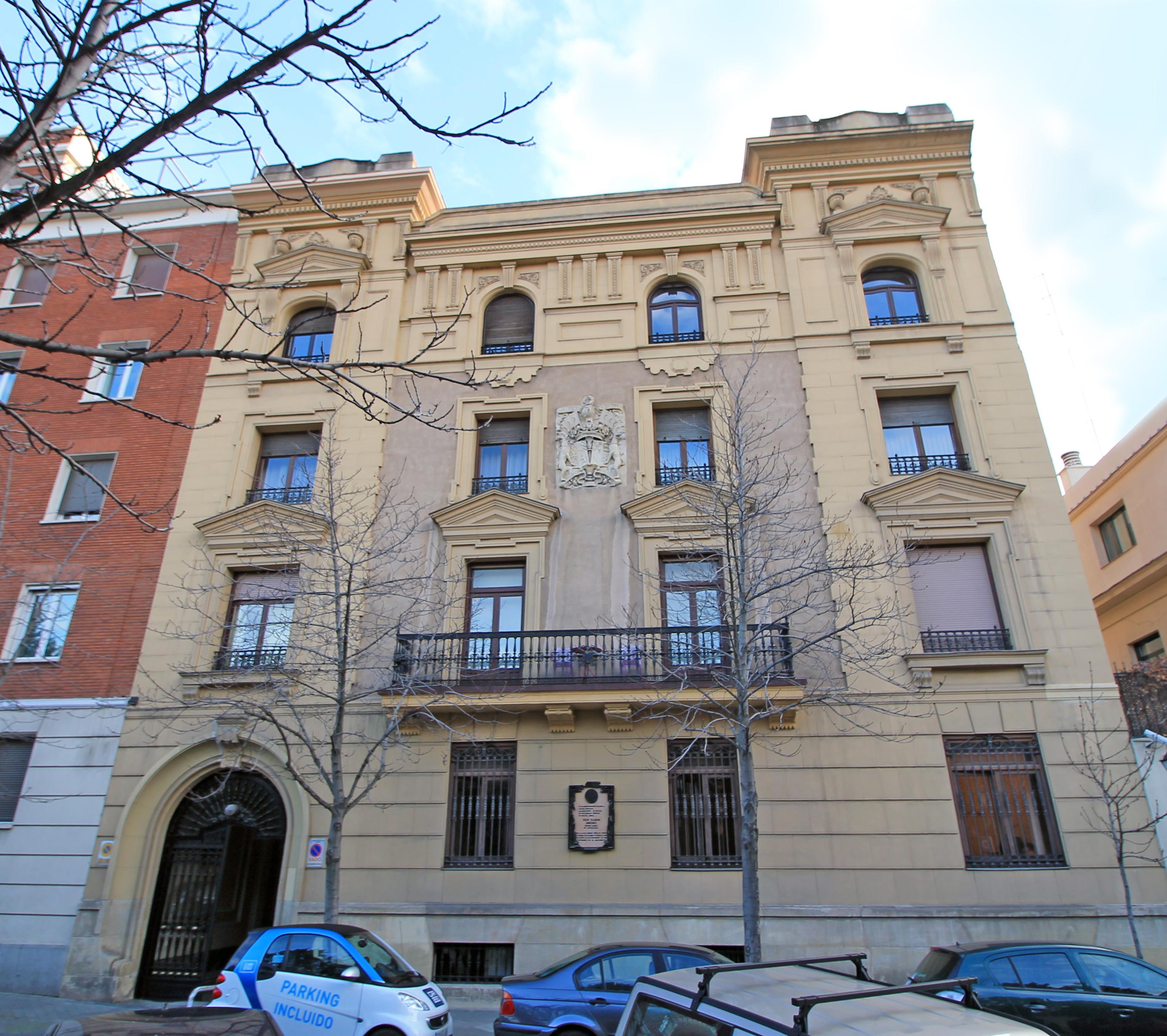 El nº 38 de la calle de Padilla de Madrid, donde vivieron Juan Ramón y Zenobia de 1929 a 1936. El edificio fue proyectado como casa-palacio por el arquitecto Bernardo Giner de los Ríos.