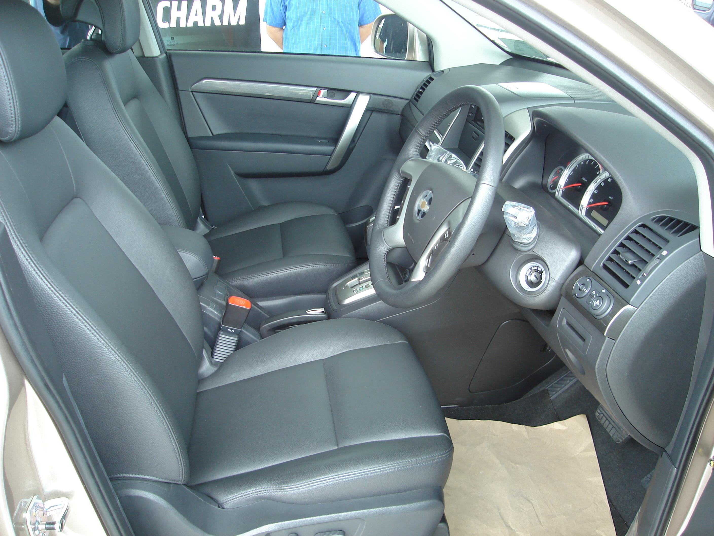 only chevrolet captiva car interior autocars wallpapers. Black Bedroom Furniture Sets. Home Design Ideas