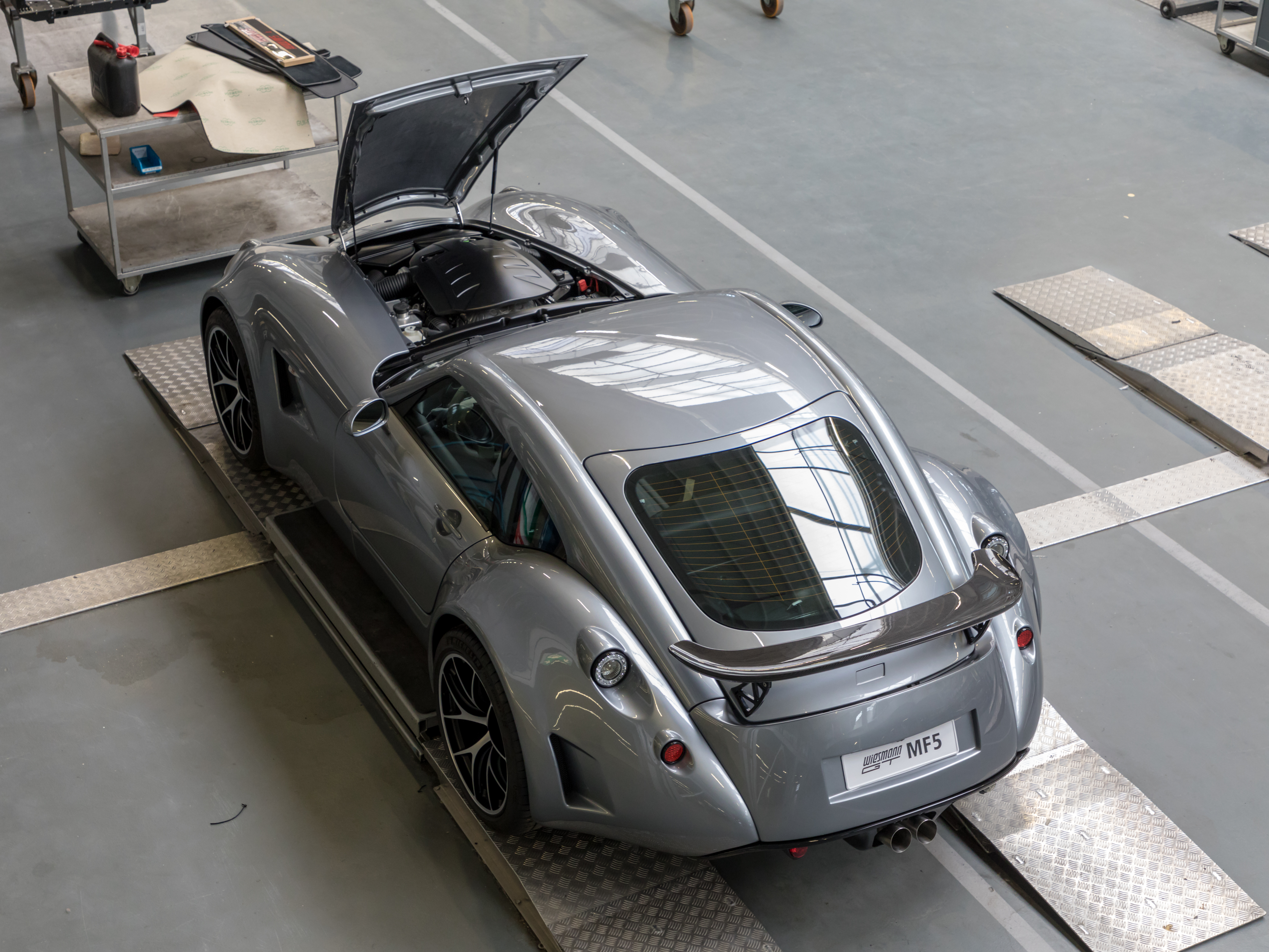 MF5 at Wiesmann Sports Cars, Dülmen, North Rhine-Westphalia, Germany (2018) German Wiesmann GT MF5 (2018) bei Wiesmann Sports Cars, Dülmen, Nordrhein-Westfalen