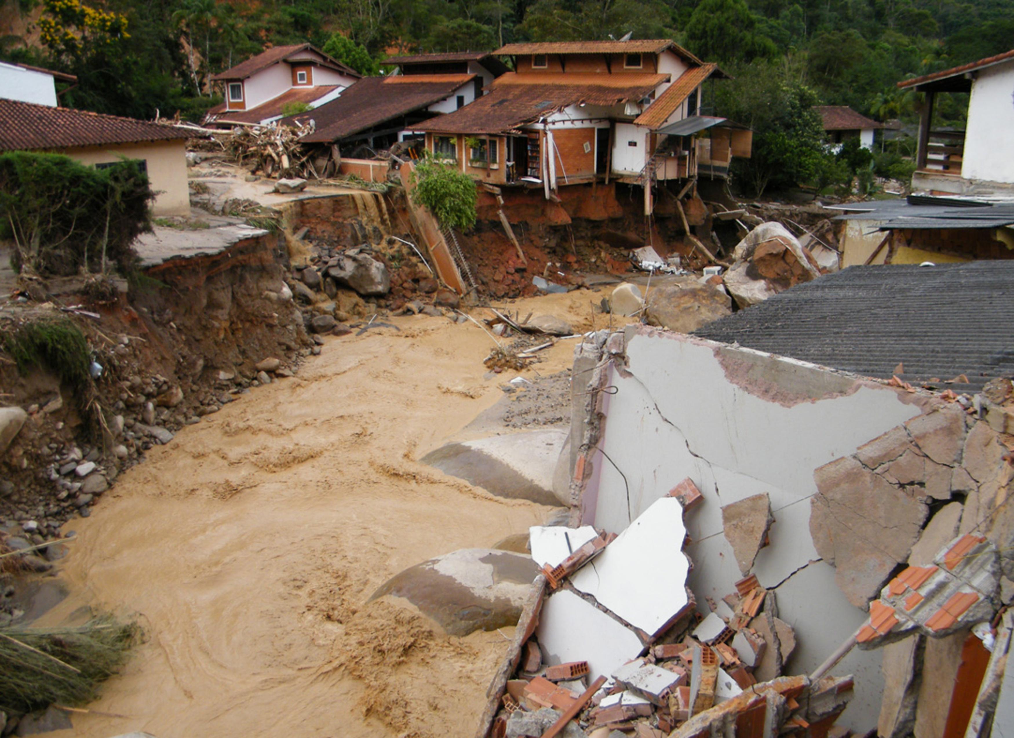 Enchentes e deslizamentos de terra no Rio de Janeiro em 2011 – Wikipédia, a  enciclopédia livre