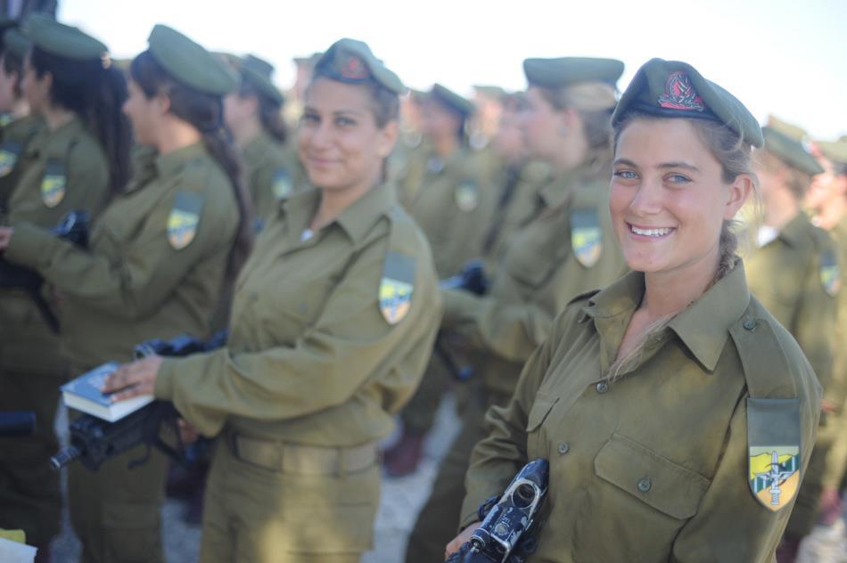 كتيبه كراكال الاسرائيليه .....Caracal Battalion  Flickr_-_Israel_Defense_Forces_-_Becoming_A_Soldier_of_the_Caracal_Battalion_%2821%29