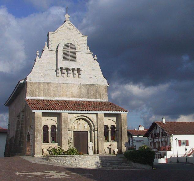 Description: Église du  XVIIe Siècle.  Lieu: fr:Mouguerre - Pyrénées-Atlantiques (64)    Date: Août 2005   Auteur: Khardan   Licence: CC-BY-SA FR 2.0 ()