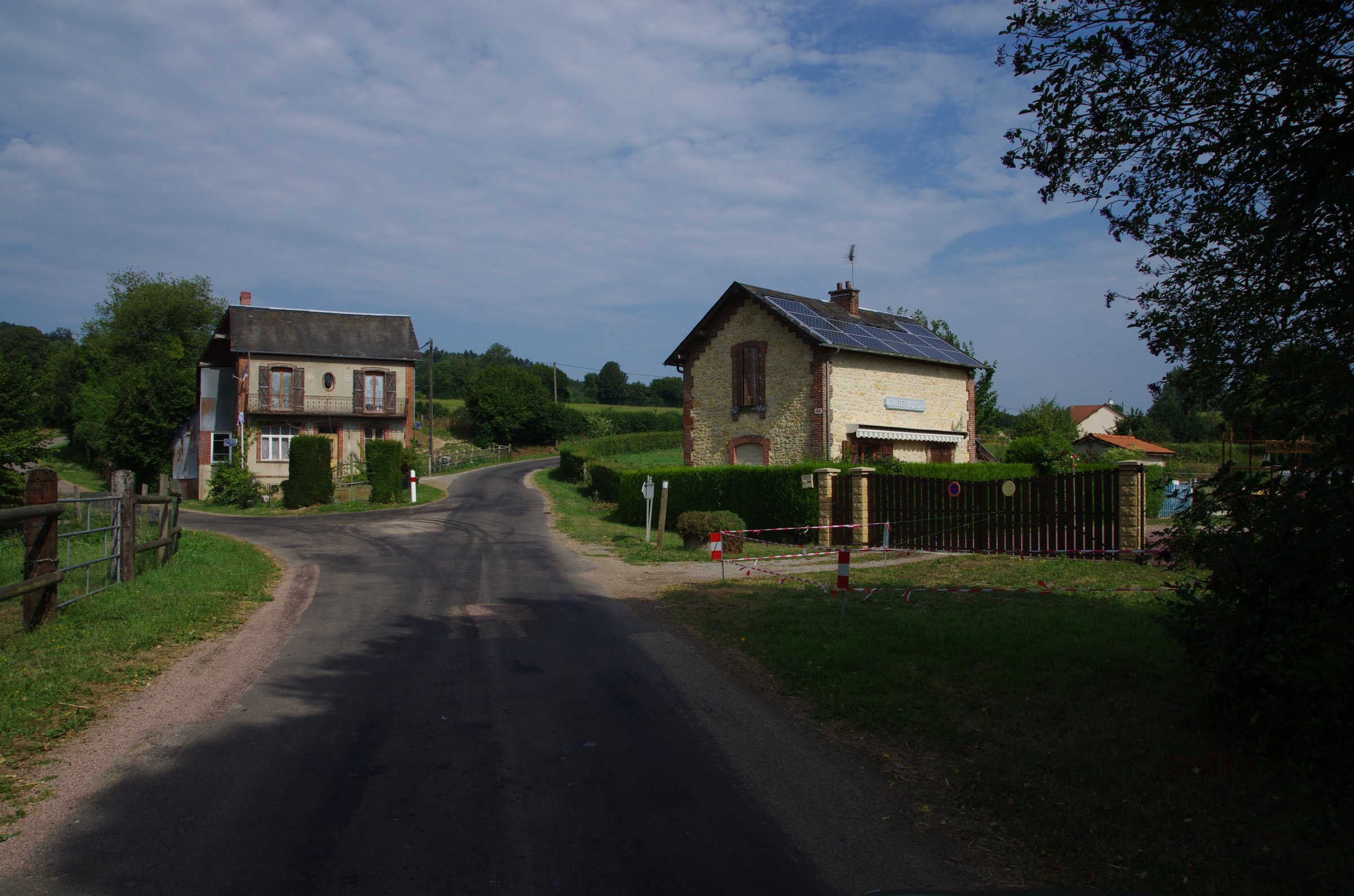 Gare neuville s touques.jpg
