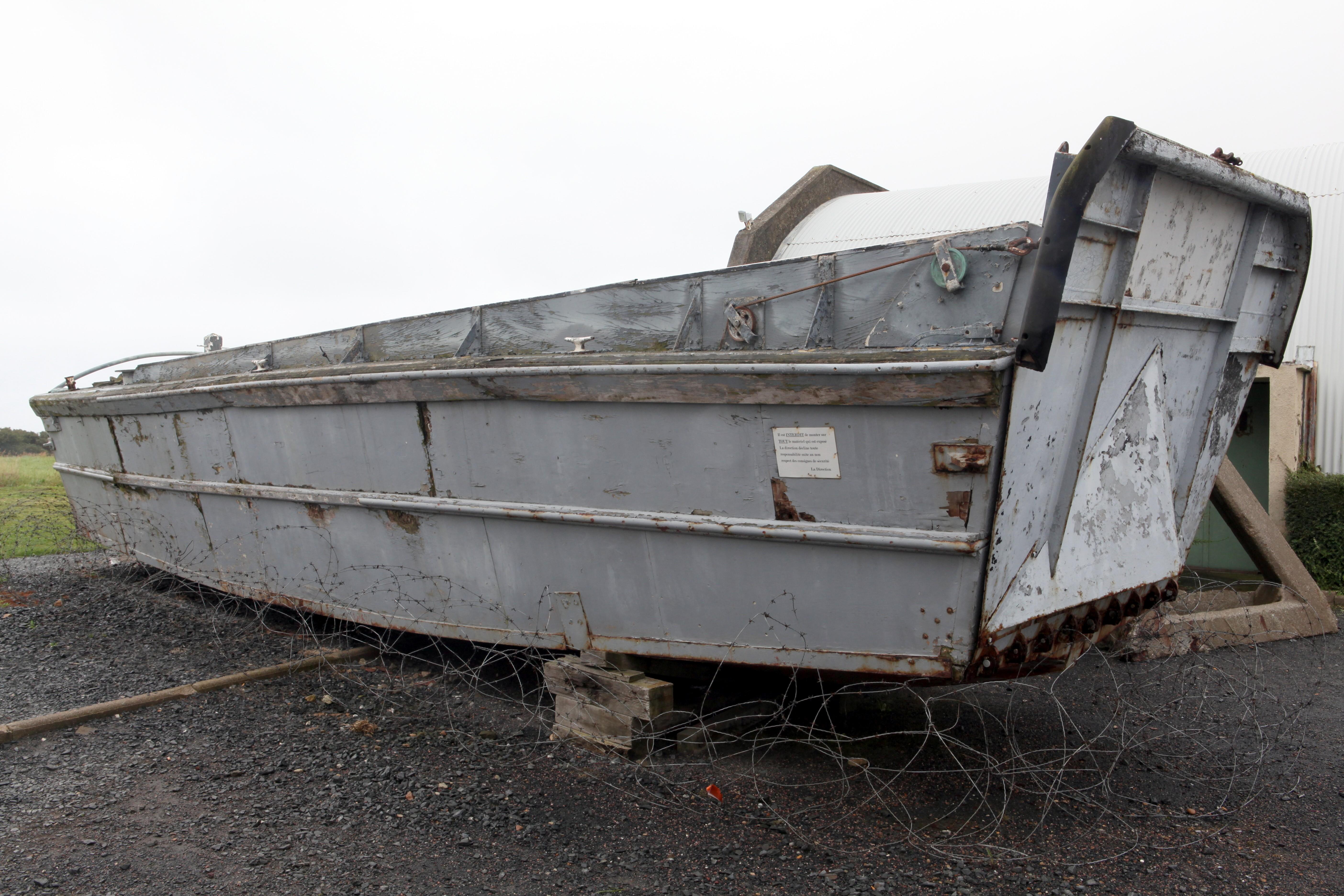 File:Higgins boat - LCVP (Landing Craft Vehicle Personnel) - Flickr - Joost J. Bakker IJmuiden ...